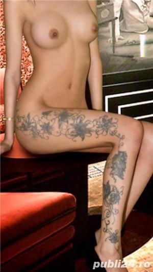 Fabiana reala 100% siliconata si tatuata – caut colega