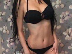 Anunturi sex: Bruneta 19 ani